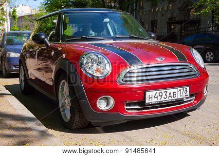 Shining Red Metallic Mini Cooper Car
