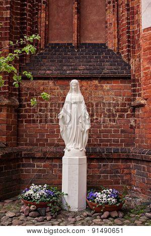Statue Of Saint Mary