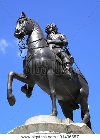 Charles I equestrian bronze statue