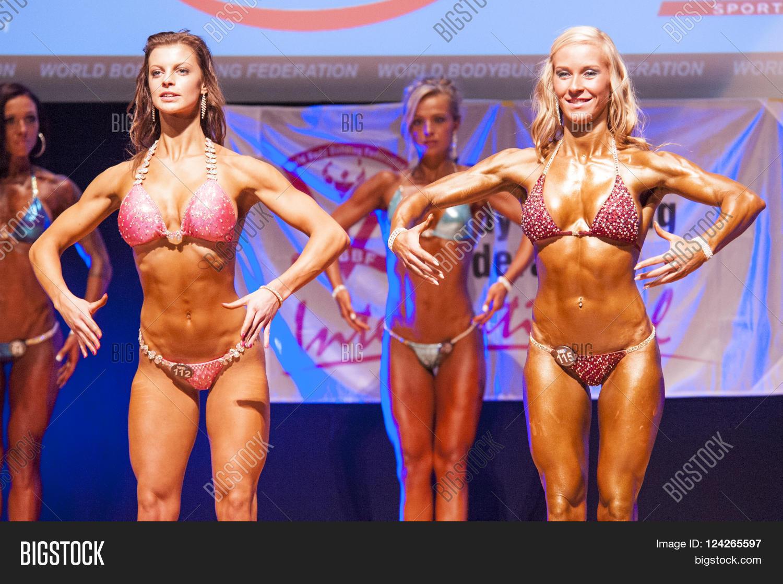 Model bikini world best 10 Best