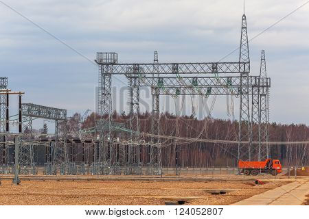 Electric power plant, power transmission line, industrial equipment