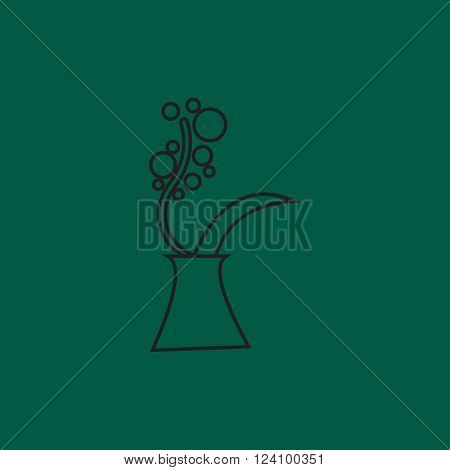 Spring flowers in vase, Flat bouquet of flowers in vase, vector flat outline flower icon. Icon of flower for interior design. Flower decoration for room. Flat vase icon in bright colors.