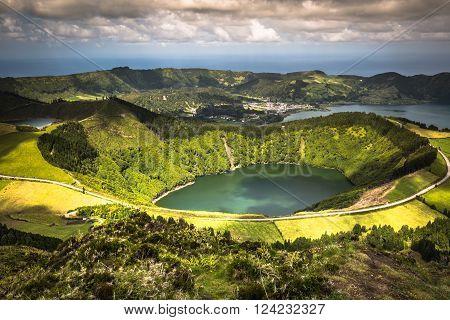 Sete Cidades Lagoa Ponta Delgada AZORES Sete Cidades is a civil parish in the centre of the municipality of Ponta Delgada that is located in a massive volcanic crater three miles across.