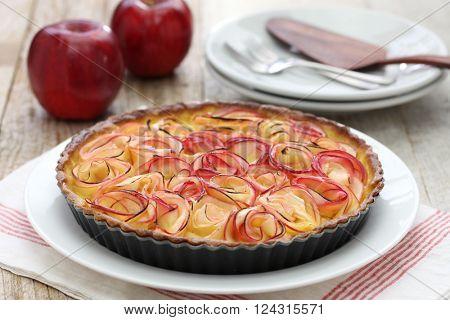apple tart like bouquet of roses