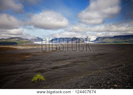 Summer on Iceland, with svinafellsjokull and Skaftafell  glaciers