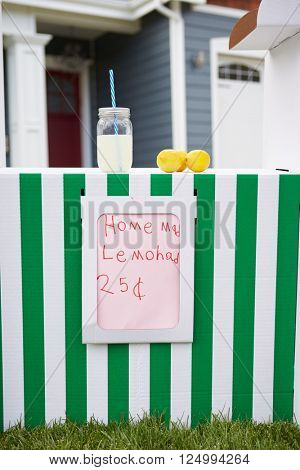 Homemade Lemonade Stand In Front Garden