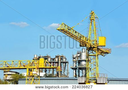 Crane And Separating Chimney