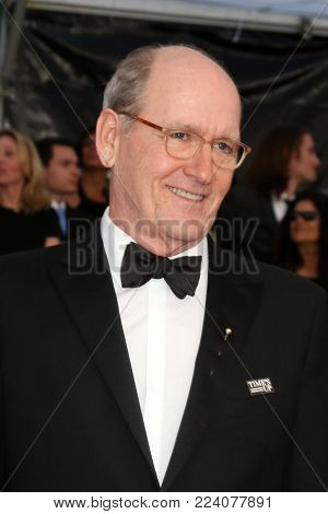 LOS ANGELES - JAN 21:  Richard Jenkins, wife at the 24th Screen Actors Guild Awards - Press Room at Shrine Auditorium on January 21, 2018 in Los Angeles, CA