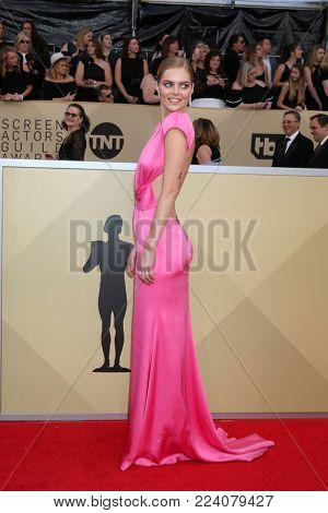 LOS ANGELES - JAN 21:  Samara Weaving at the 24th Screen Actors Guild Awards - Press Room at Shrine Auditorium on January 21, 2018 in Los Angeles, CA