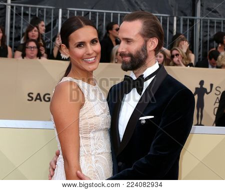 LOS ANGELES - JAN 21:  Maria Dolores Dieguez, Joseph Fiennes at the 24th Screen Actors Guild Awards - Press Room at Shrine Auditorium on January 21, 2018 in Los Angeles, CA