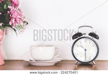 Break, Coffee Break on wooden table background