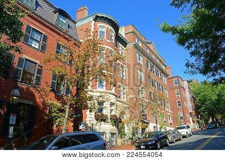 BOSTON - OCT. 2, 2013: Historic Buildings on Mt Vernon Street at Cedar Ln Way on Beacon Hill, Boston, Massachusetts, USA.