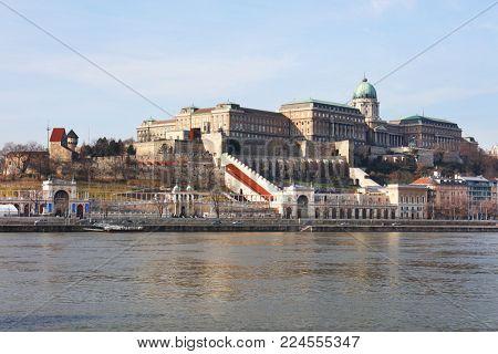 Cityscape of Buda Castle from Pest across Danube River, Budapest, Hungary, Europe
