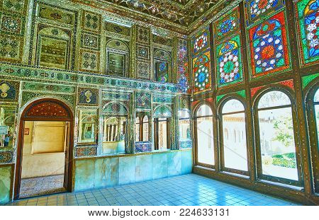 Shiraz, Iran - October 12, 2017: The Mirror Hall Is Traditional Part Of Qajar Era Mansions, Such As