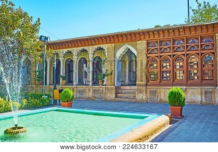Shiraz, Iran - October 12, 2017: The Architecture Of The Medieval Zinat Ol-molk Mansion With Traditi