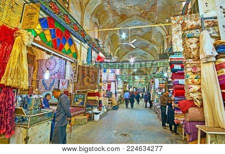 SHIRAZ, IRAN - OCTOBER 12, 2017: Vakil Bazaar has large textile department, local people often buy fabrics to sew clothes themselves, Shiraz, Iran, on October 12 in Shiraz.