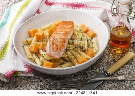 irish pasta salad with cheddar cheese and wild salmon fillet