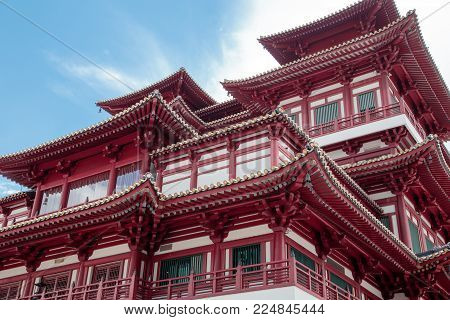 Buddha Tooth Relic Temple and Museum in Chinatown at Singapore city. Famous national landmark