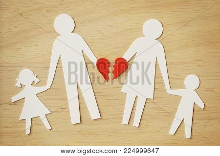 Paper chain family cut-out with broken heart - Divorce and broken family concept
