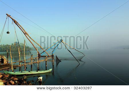 Кочин Болота Кералы с китайскими рыболовная сеть