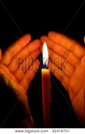 the candle in hand protect