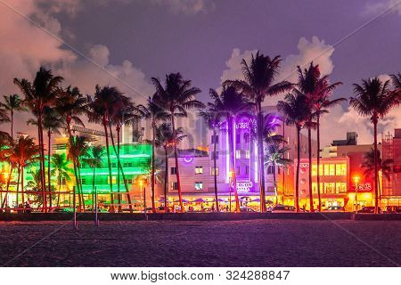 Miami Beach, Usa - September 10, 2019: Ocean Drive In Miami Beach At Sunset. City Skyline With Palm