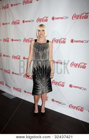 LAS VEGAS - APR 26:  Anna Faris arrives at the CinemaCon 2012 Talent Awards at Caesars Palace on April 26, 2012 in Las Vegas, NV