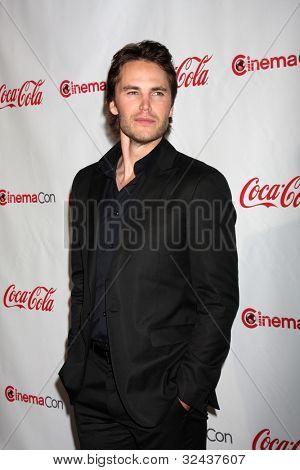 LAS VEGAS - APR 26:  Taylor Kitsch arrives at the CinemaCon 2012 Talent Awards at Caesars Palace on April 26, 2012 in Las Vegas, NV