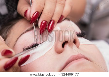 Artificial Eyelash Extensions From The Master Of Eyelash Extension In The Beauty Salon, Medical Twee