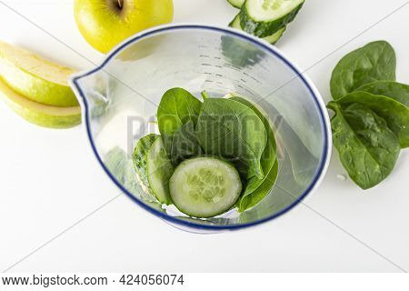 Step By Step Green Smoothie Recipe. Step 1 Add Ingredients To Blender: Apple, Cucumber, Spinach. Hom