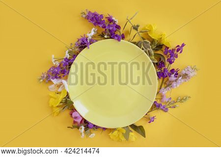 Empty Plate Flowers On Colored Background Menu, Minimal