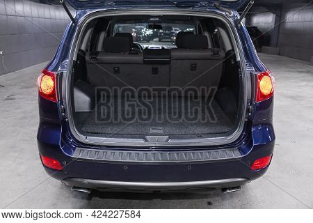 Novosibirsk, Russia - June 19, 2021:hyundai Santa Fe, Big Trunk Open In A Suv Car.