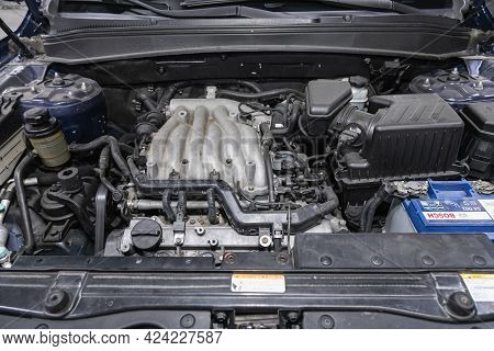 Novosibirsk, Russia - June 19, 2021:hyundai Santa Fe, Car Engine Close-up. Internal Combustion Engin