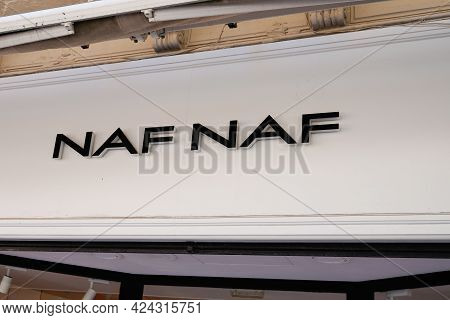 Toulouse , Occitanie France - 06 16 2021 : Naf-naf Logo Store Sign And Brand Text Of Fashion Clothin