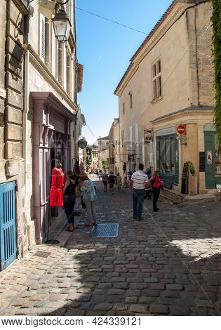 St Emilion, France - September 8, 2018: Tourists In The Cobbled Streets Of Saint Emilion. France. St