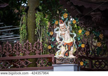 Chua Vong Thi Pagoda Hue