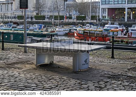 Bristol, Uk - January 10, 2015: A Lottery-funded Outdoor Table Tennis Table On The Harbourside