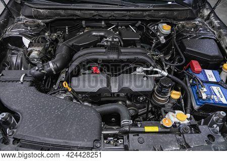 Novosibirsk, Russia - June 19, 2021: Subaru Legacy, Close Up Of A Clean Motor Block, . Internal Comb