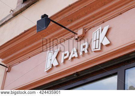 Toulouse , Occitanie France - 06 16 2021 : K Par K Text Sign Store Chain Brand Logo Shop Specialized
