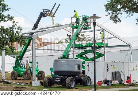 New Orleans, La - June 9: Workers Use Three Types Of Heavy Equipment To Remove Large Temporary Struc