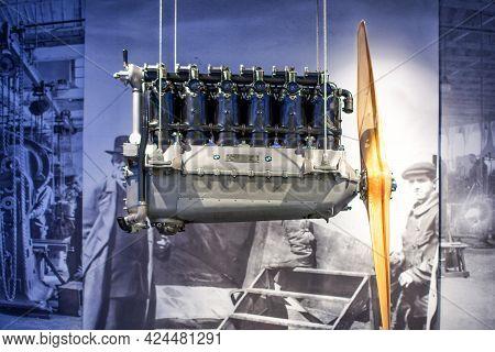 Munich, Germany - September 14, 2018:  Bmw Aeroplane Engine With Propeller. Bmw Museum.