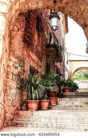 Narrow Streets With Renaissance Style Houses And Carved Facades In Alcaraz, Castile-la Mancha Commun