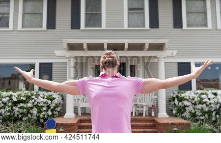 Happy And Inspired. For Sale. Realtor Waiting For Visitors. Rent New Home. Ownership.