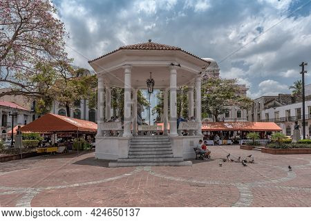 Souvenir Stands And Pavilion On The Plaza De La Independencia, Casco Viejo, Historic District Of Pan