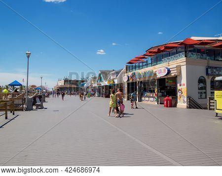 Pt Pleasant, Nj - Usa - June 23, 2021:  A Quiet Boardwalk Mid-week On June 23 2021 In Pt Pleasant Al