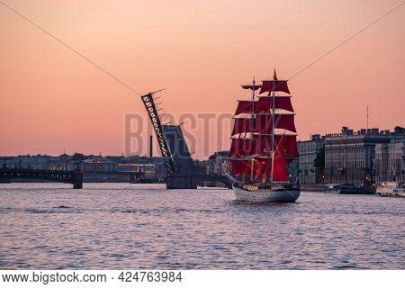 Saint Petersburg, Russia - June 10, 2021: A Brig Rossiya Sails On The Neva River At Sunrise. The Bri