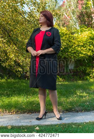 Plus Size Elegant Mature Business Fashionable Woman, Enjoy The Life, Walks Outdoor. Life Of People X