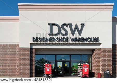 Dsw Designer Shoe Warehouse Retail Store Exterior