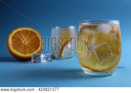Step-by-step Instruction Cooking Lemonade. Step 3. Ready Drink With Water Orange And Ice. Lemonade O