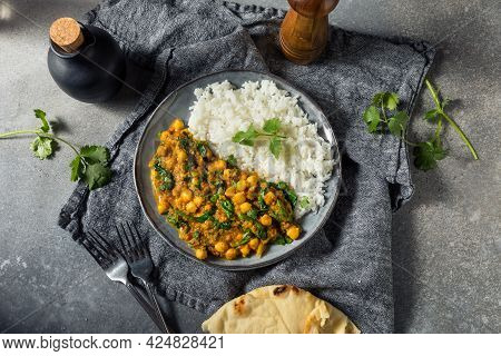 Homemade Chickpea And Spinach Curry